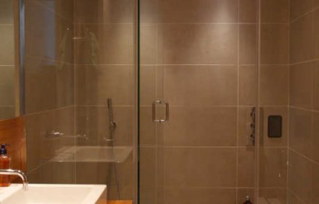 Frameless Shower Door, Crouch End